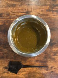 ヘナのペースト お湯でまぜたもの 美容室 マイフ